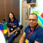 Imagem: Programa De Olho na Semana: Foto: Sr. José Alexandre (Gerente do Assaí Itapetinga) e Graziele Santiago (Chefe Administrativo).