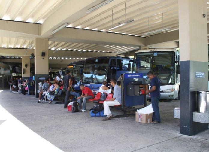 Rui Costa Decreto veta transporte intermunicipal em mais 14 cidades devido à pandemia