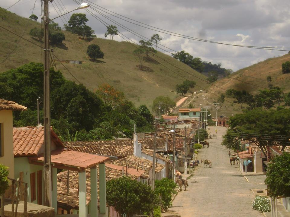 Três adolescentes de 17 anos são mortos dentro de imóvel em Iguaí