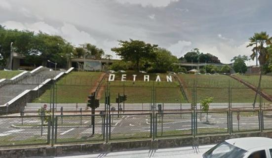 Detran-BA libera aulas e exames práticos para primeira habilitação em auto escolas