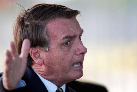 Bolsonaro silencia enquanto líderes mundiais parabenizam Biden