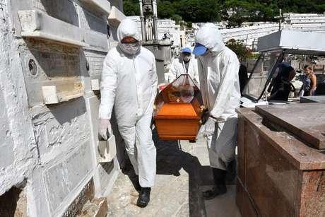Brasil tem 449 mortes por covid-19 e recorde de casos em 24h