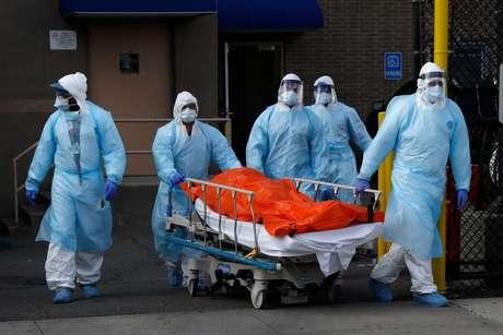 Brasil tem 263 mortes por coronavírus nas últimas 24 horas