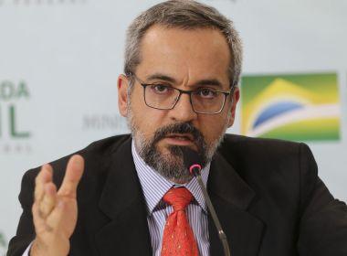 Ministro da educação Abraham Weintraub veta nomeação de indicado do Centrão e ameaça deixar o cargo