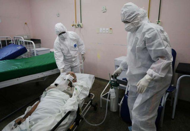 Brasil registra mais 899 mortes por covid e passa de 130 mil