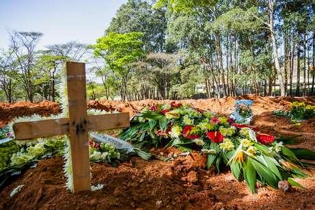 Brasil registra 1.437 novas mortes por covid-19 em 24 horas