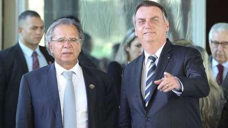 Governo quer incluir Renda Brasil na Constituição