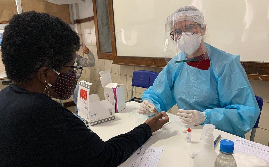 Professores e funcionários começam a ser testados para covid-19 em Jequié