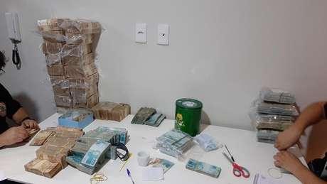 PCC movimentou R$ 1,2 bi com tráfico de drogas, diz Justiça