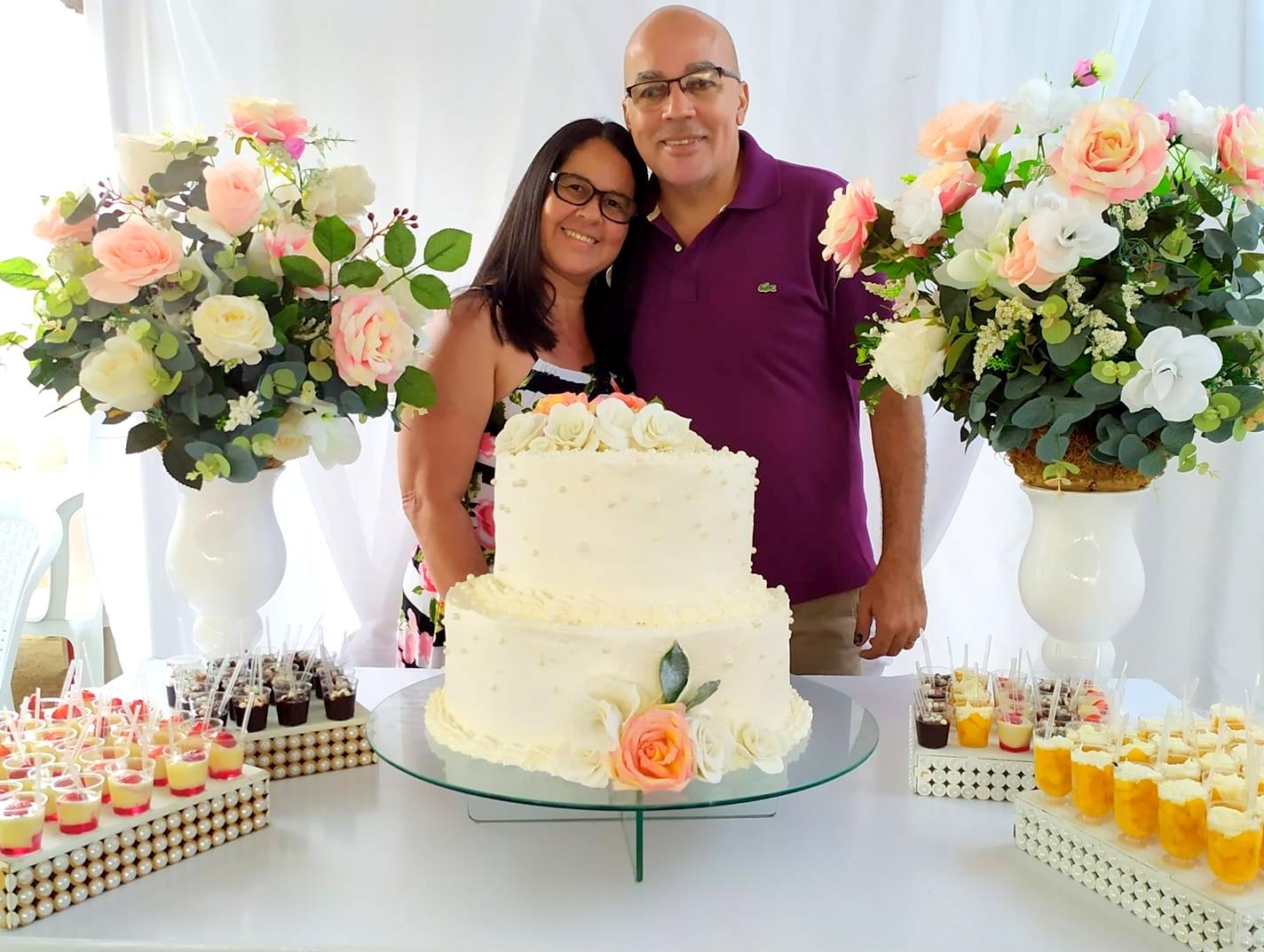 Itapetinga: Parabéns ao casal Cristiano e  Eliana Amorim pelas bodas de zinco (10  anos de casados)