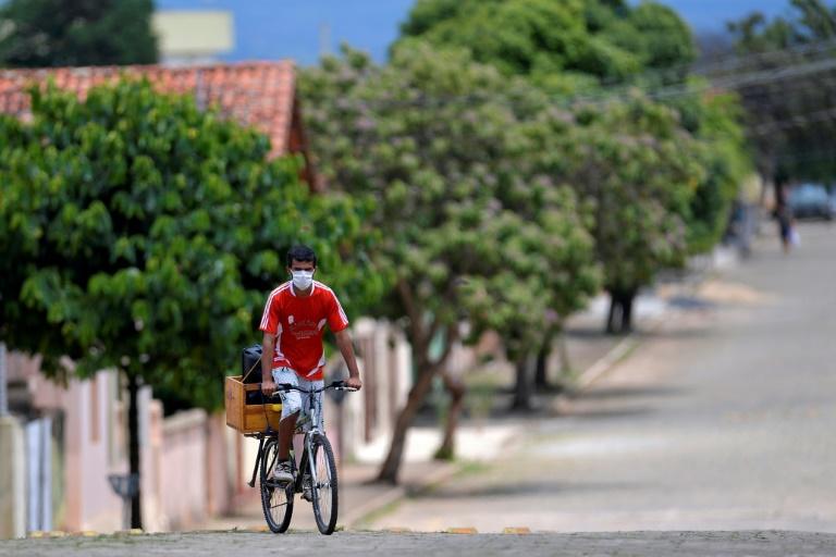 Brasil não tem mais cidades sem Covid, após primeiros casos em Cedro do Abaeté