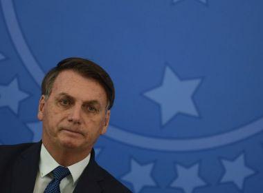 Bolsonaro exalta militares e diz que Brasil viveu regime um pouco diferente na ditadura