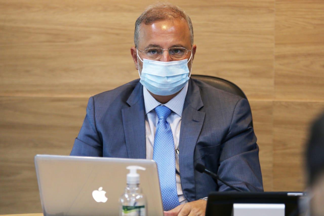 """""""É possível que nós precisemos avançar para fechar comércio durante o dia"""", diz secretário de saúde"""