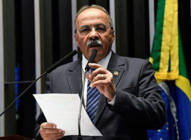 Chico Rodrigues, flagrado com dinheiro na cueca, volta ao mandato e envia carta a colegas