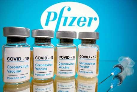 Saúde fecha compra de 100 milhões de doses da Pfizer