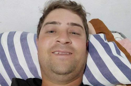 Urgente em Conquista: Moradores incendeiam casa do acusado de matar homem a facadas no Vila Elisa