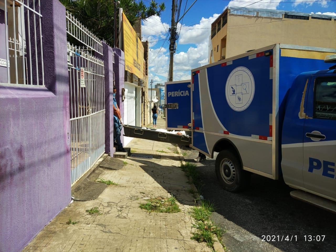 Urgente: Jovem é Assassinado com Três Tiros no Rosto no Centro de Conquista