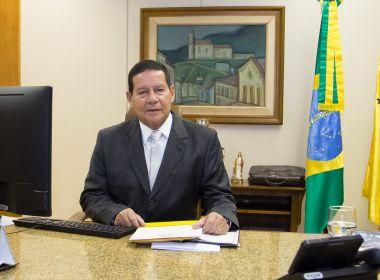 Auxiliares incentivam Mourão a disputar presidência da República em 2022