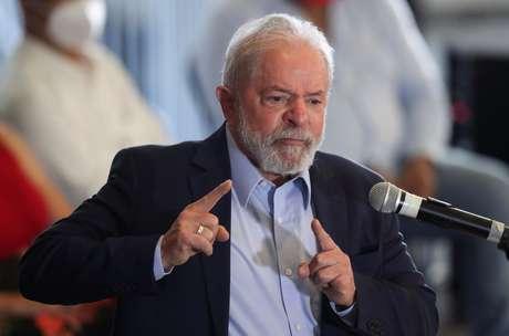 """Lula diz que, """"se for preciso"""", vai """"ao centro"""" nas eleições"""