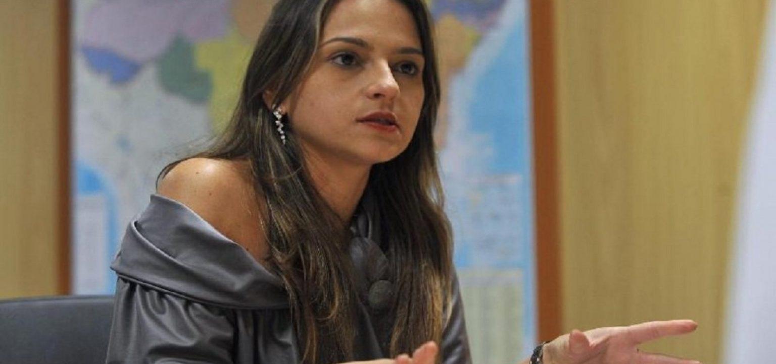 Delegada se torna primeira mulher superintendente da PF na Bahia