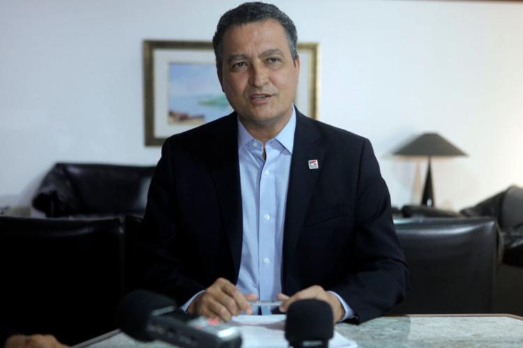 Rui Costa nomeia ex-prefeitos baianos para cargos no governo
